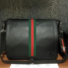 Geanta de umar pentru birou/scoala tip postas/mailman/messenger bag Gucci Italy - Geanta Barbati Gucci, Marime: One size, Culoare: Negru, Geanta tip postas, Asemanator piele
