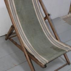 Sezlong Vintage din lemn masiv; Fotoliu pliabil