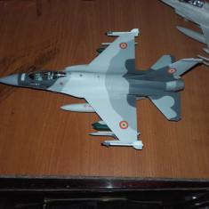 Macheta F-16 - Macheta Aeromodel Italeri, 1:72