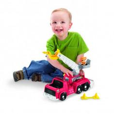 Jucarie Little people - Masina de pompieri Koby si echipajul lui de salvare L3940 Fisher Price