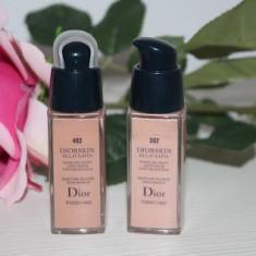 Fond de ten Christian Dior Dior DIORSKIN Eclat Satin Strălucire de Satin Pentru Piele Perfecta, Lichid
