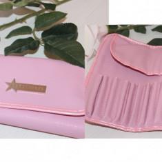 Borseta portfard cosmetice, compartimentata, culoare Roz - Geanta cosmetice Fraulein38
