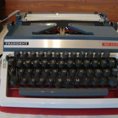 Masina de scris PRASIDENT DE LUXE (1970)+banda noua de scris