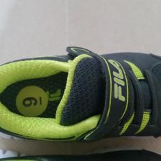 Adidasi copii FILA noi, Marime: 26, Culoare: Gri