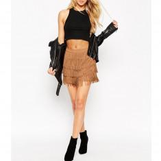 Pantaloni scurti de dama. Model cu franjuri - Negru