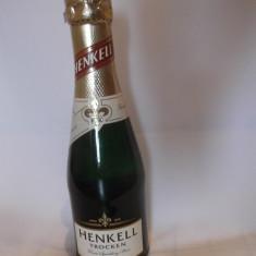 Sampanie Henkell Trocken (200 ml) / sigilata