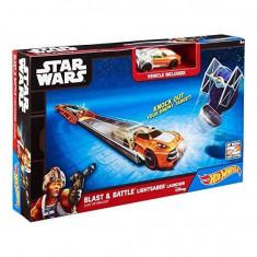Jucarie Pista Hot Wheels Lightsaber cu masina SW Luke Skywalker CMM33 Mattel - Masinuta