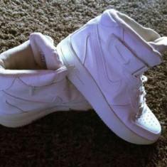 Vand ghete Air Force - Ghete dama Nike, Culoare: Alb, Marime: 36