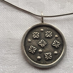 Medalion argint model Celtic vechi pe Lant argint Vintage executate manua Superb
