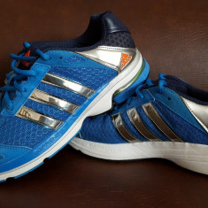 Adidasi Adidas marimea 44, talpic 28, 5 cm - Stare excelenta - Adidasi barbati, Culoare: Albastru