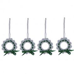 Set 4 coronite crosetate manual, diametru de la 6 cm, Argintiu cu verde - Coronite Craciun
