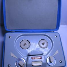 Mini magnetofon vechi si extrem de rar de colectie Tesla ANP 402 din 1962