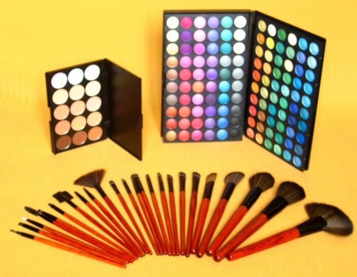 Trusa machiaj paleta fard 120 culori 24 pensule fond de ten corector concealer