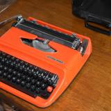 Masina de scris rosie