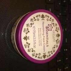 Crema de fata Oriflame nutritiva Essentials