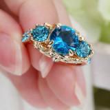 Superb inel suflat cu aur de 9K cu cu zircon cz.  Marimea 7