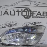 Far stanga Ford Transit Custom cu lupa