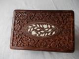 Caseta din lemn,sculptata manual,pt bijuterii.