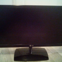 Monitor LED LG 21.5'' putin folosit