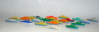 Miniaturi, vapoare/ vaporase romanesti din plastic dur - anii '80 foto