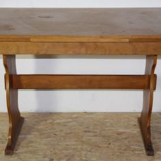 Masa extensibila 170X71 cm; Masa din pal furniruit si lemn masiv - Masa gradina