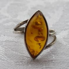 Inel argint cu chihlimbar Oval vechi Finut executat manual la comanda Elegant