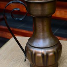 OBIECT DECORATIV / VAZA CU O ANSA DIN METAL - Metal/Fonta, Vase