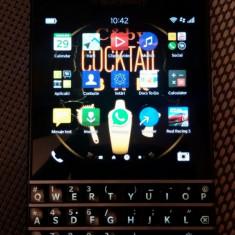 Vand BlackBerry Q10 - Telefon mobil Blackberry Q10, Negru, Orange