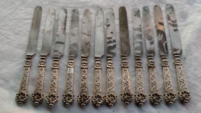 CUTITE argint 12 bucati in SET manopera EXCEPTIONALA VECHI de colectie RARE