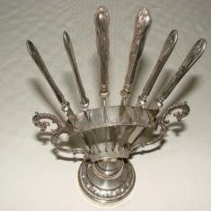 Impresionant suport cu sase cutite argintate, anii 1930, Ornamentale