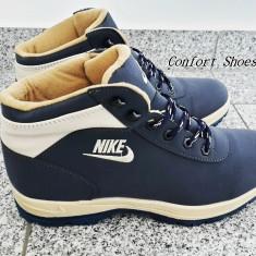 Bocanci Nike Mandara - Bocanci dama, Culoare: Din imagine, Marime: 41, 43