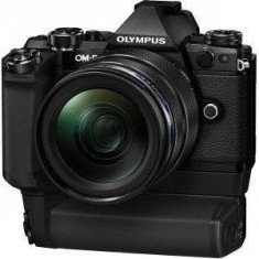 OLYMPUS E-M5II 1240 Kit blk/blk + HLD-8 Power Battery Holder + BLN-1 Battery - Aparat Foto Mirrorless Olympus