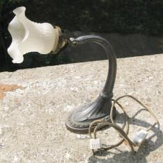 Lampa birou Art Deco din metal cu abajur sticla veioza, Lampi