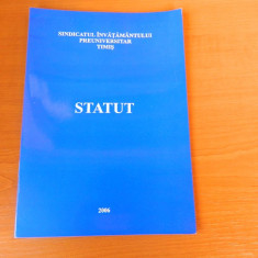 Statutul cadrului didactic, Sindicatul Invatamantului Preuniversitar, Timis - Carte Drept constitutional