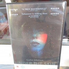 UNDER THE SKIN (1 DVD ORIGINAL FILM - cu SCARLET JOHANSSON - CA NOU!!!), Engleza