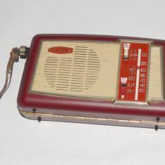 Aparat radio vitange retro portabil de colectie OPTALIX - anii ''70, Analog, 0-40 W