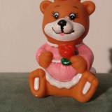 Ascutitoare chinezeasca din cauciuc ursulet fetita, vechi,  6.5x4cm, vintage