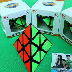 Cub Rubik - CycloneBoys Profesional Pyraminx V1 cube - Jocuri Logica si inteligenta
