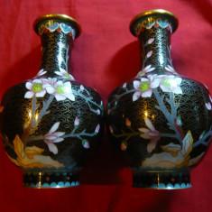 Set 2 vaze cloisonne vechi, H=15, 5 cm, D.gura=4cm, D.baza=5cm - Arta din Metal