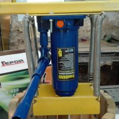 Presa struguri (teasc) cu sistem hidraulic de presare. - Zdrobitor struguri