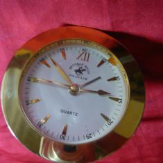 Ceas de Birou Beverly Hills - Polo Club -Quartz, D= 7 cm-Emblema Calarie - Ceas de masa
