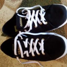 Vand tenisi adidas purtați de 2 ori nr 38 - Tenisi dama Adidas, Culoare: Negru, Marime: 38 2/3
