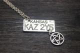Pandantiv / Colier / Lantisor / Medalion SUPERNATURAL DEAN Placuta Masina KAZ
