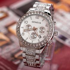 Ceas dama tip Geneva argintiu curea metalica silver + cutie simpla cadou