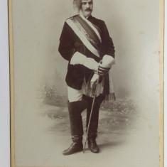 FOTOGRAFIE MILITARA VECHE DE CABINET - MILITAR IN TINUTA DE GALA - ANII 1800
