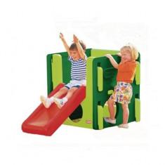 Spatiu de joaca Junior Verde inchis cu verde deschis si rosu Little Tikes - Casuta copii