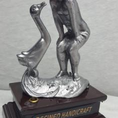 Bricheta birou, reincarcabila – figurine fata si gasca - Bricheta Cu Gaz