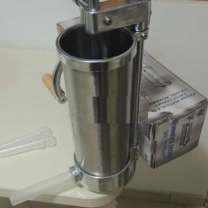 Masina BIO de umplut carnati verticala 3kg OTEL INOXIDABIL