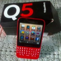 Telefon Blackberry Q5 rosu nou, 2 ani garantie, factura. - Telefon mobil Blackberry Q5, Neblocat