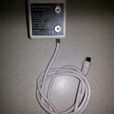 Amplificator german BKL-electronic, pentru cablu de antena TV, cu doua iesiri